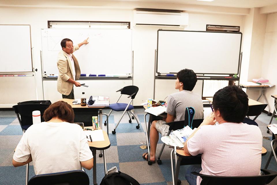 豊富な実績と良心的な学費だけじゃない。学校法人が運営する予備校を選ぶメリットを紹介